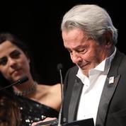 Alain Delon en pleurs à Cannes :