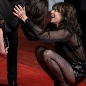 Béatrice Dalle et Charlotte Gainsbourg jouent les rock stars à Cannes