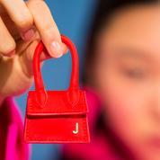 Micro-sac Jacquemus, baskets oversize Alexander McQueen... Les pièces les plus recherchées du moment dans le monde