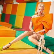Couleurs pop, effets de matières : le vestiaire arty de l'été