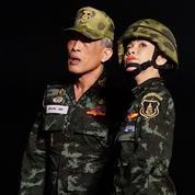 Le roi de Thaïlande intronise sa concubine officielle, trois mois après avoir présenté son épouse