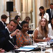 Égalité femmes-hommes : la société civile demande à Emmanuel Macron de passer à l'action