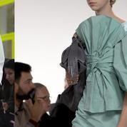 Fashion Week : la mode à fleur de peau de Valentino et Givenchy