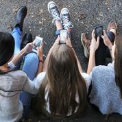 Premier portable de l'enfant : les règles à respecter et les erreurs à éviter