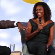 Michelle Obama affiche ses cheveux bouclés et Twitter applaudit à deux mains