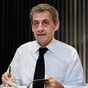Nicolas Sarkozy embarrassé par la drague très appuyée d'une fan