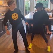 En vidéo, la danse endiablée de Victoria Beckham et son fils sur un tube des Spice Girls