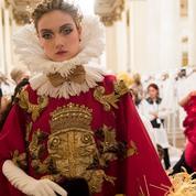 Dolce & Gabbana présente un défilé Alta Moda grandiose à la Scala