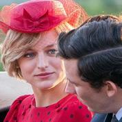 En images : la ressemblance frappante entre Emma Corrin et Lady Di dans
