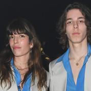 Au défilé Gucci, Lou Doillon et son fils font sensation dans le même costume