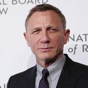Daniel Craig, les Beckham... Les célébrités britanniques applaudissent le personnel hospitalier