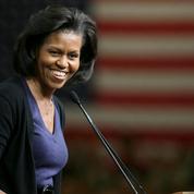 Michelle Obama console Ariyonna, une petite fille qui se trouve