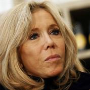 Meubles à vendre et appel aux dons : Brigitte Macron s'implique dans la guerre contre le coronavirus