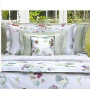 Faites fleurir vos envies avec la parure de lit Riviera d'Yves Delorme