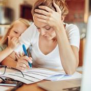 Réouverture des écoles : la carrière des mères actives sous pression