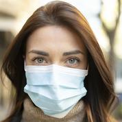 Irritations, boutons, démangeaisons... Comment limiter les effets secondaires du port du masque sur notre peau ?
