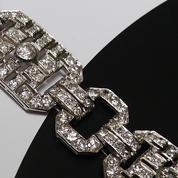 La Collection Noire, le nouveau compte Instagram de bijoux vintage à suivre
