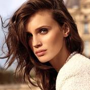 La nouvelle campagne vidéo Les Beiges de Chanel fait danser Marine Vacth