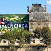 Nouveau visage de Balenciaga, Cardi B s'invite sur la façade du Louvre