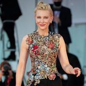 À la Mostra de Venise, Cate Blanchett innove avec des pièces déjà portées