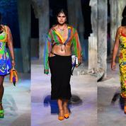À Milan, Versace fait défiler des mannequins hors de ses gabarits traditionnels