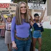 Julianne Moore et Alicia Vikander incarnent la féministe Gloria Steinem dans le biopic