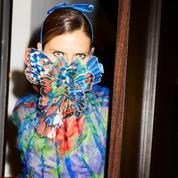 Des spectaculaires masques haute couture vendus aux enchères