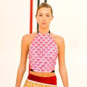 Lila, la fille de Kate Moss, défile pour la première fois à la Fashion Week de Paris