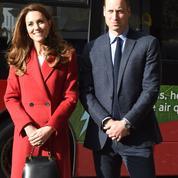 Un sac sage, porté main : quand Kate Middelton prend l'allure d'une reine