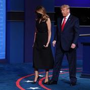 Même en pleine campagne électorale, Melania Trump repousse (encore) la main de son époux