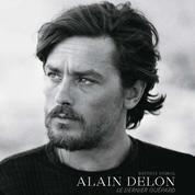 La légende Delon, l'œil de Riboud, la plume de Londres... Nos 5 incontournables en 5 livres