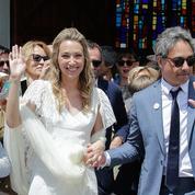 Le baiser d'amour de Laura Smet et Raphaël Lancrey-Javal le jour de leur mariage