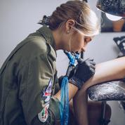 Tatouage : l'UFC-Que Choisir alerte sur la toxicité des encres utilisées