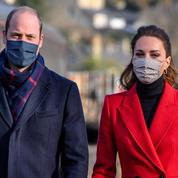 Inquiets, le prince William et Kate Middleton encouragent à la vaccination