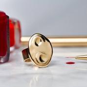 La bague palette, le bijou qui veut révolutionner le maquillage