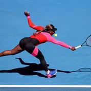La combinaison de Serena Williams, couvrant une jambe, dénudant l'autre, fait sensation à l'Open d'Australie