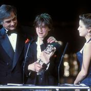 La timidité bouleversante de Charlotte Gainsbourg qui reçoit son premier César à 15 ans