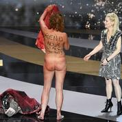 Entièrement nue sur scène, Corinne Masiero stupéfait les César