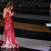 Corinne Masiero sous le feu du sexisme après s'être déshabillée aux César