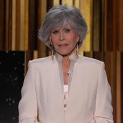 Jane Fonda apparaît bluffante avec sa coupe mulet