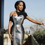 Regina King, chez elle, mais en robe d'exception pour les Golden Globes