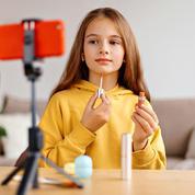Enfants influenceurs : les parents abusent-ils?