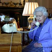 Quatre jours après le décès du prince Philip, la reine Elizabeth II se remet au travail