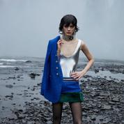 Aux confins des terres islandaises, Saint Laurent projette son vestiaire clinquant pour l'hiver
