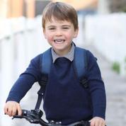 L'adorable photo du prince Louis, sur sa draisienne pour ses 3 ans, prise par Kate Middleton