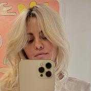 Le nouveau blond Selena Gomez a demandé 8 heures de travail