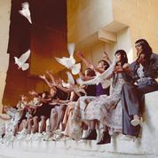 Chanel propose un défilé croisière lumineux sur les traces de Cocteau en Provence