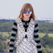 Louis Vuitton nous emmène très loin... à une heure de Paris avec son défilé croisière