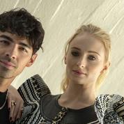 Onze salles de bain, une machine à brouillard... La luxueuse demeure de Joe Jonas et Sophie Turner est à vendre