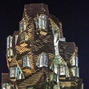 Luma, le campus arty et sa fascinante tour miroir ouvrent à Arles